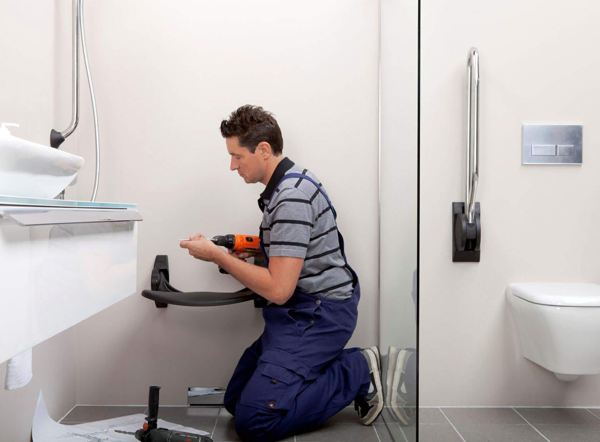 Aménagement de salles de bain par un plombier pour les personnes à mobilité réduite