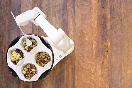Bras robotisé aide au repas