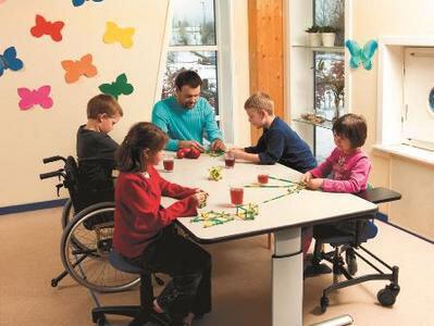 Mobilier d'ergothérapie table de groupe Vision